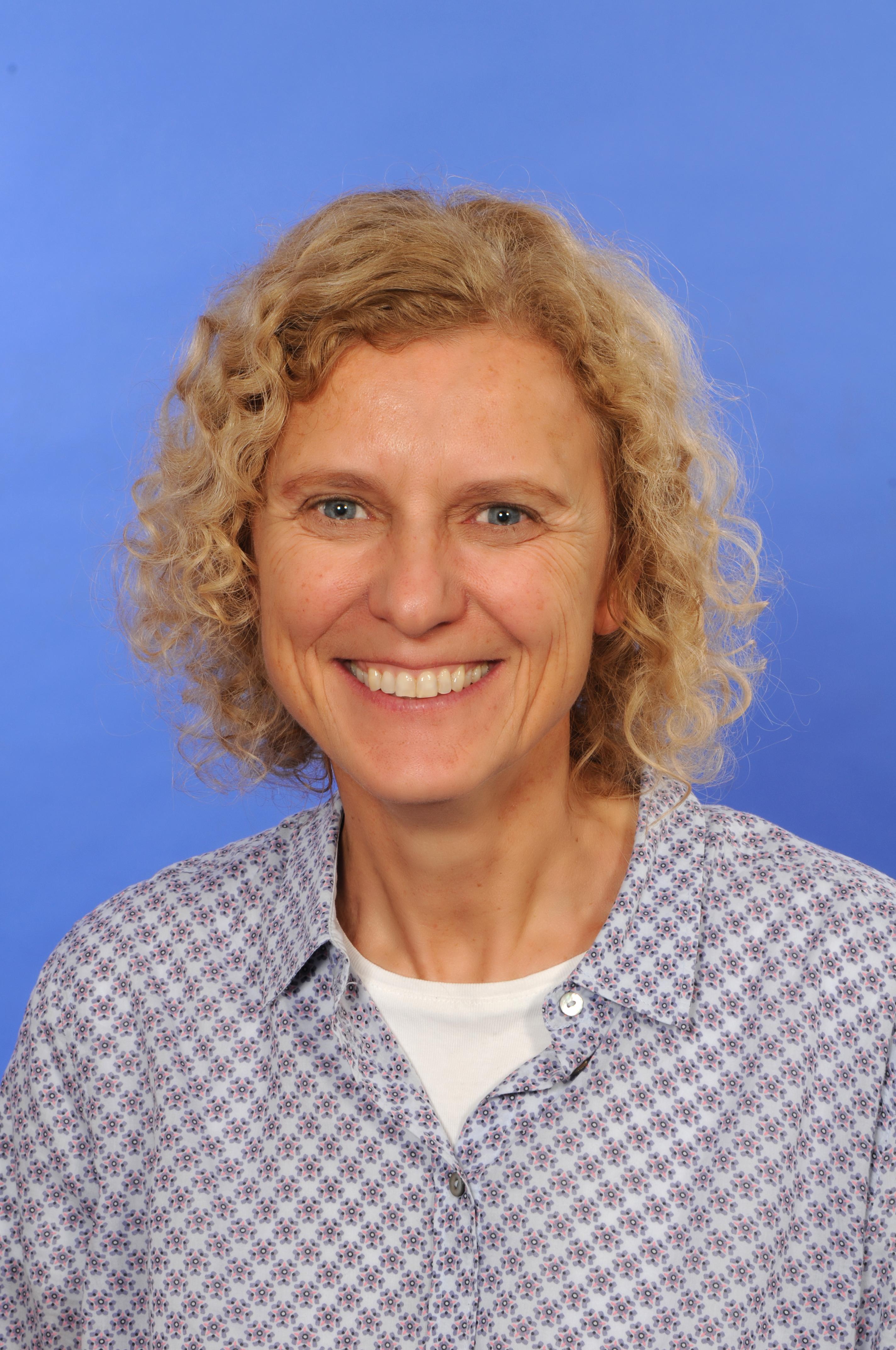 Dr. Cynthia Hog-Angeloni